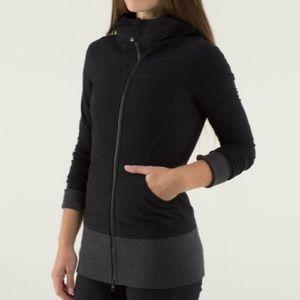 EUC Lululemon Black & Grey Live Simply Jacket ll - size 6